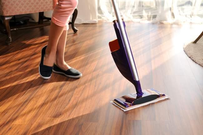 clean wood floors using a steam mop
