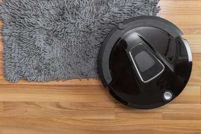 Robot carpet shampooer machine