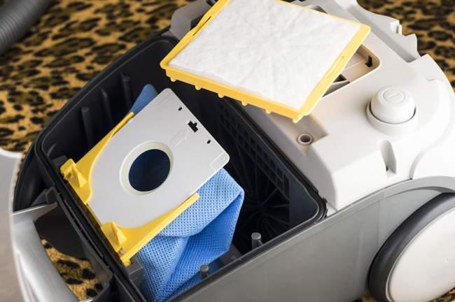 clean vacuum filter and bag