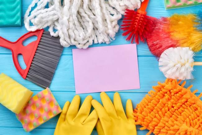 Tools to clean kitchen floor
